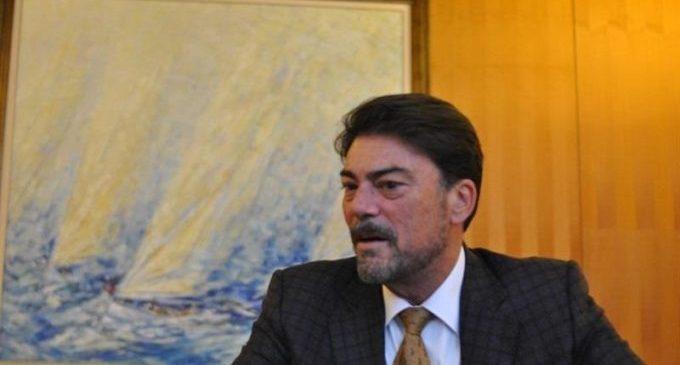 L'alcalde Luis Barcala ordena el tancament al pas de persones de l'Explanada i Canalejas
