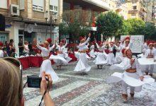 Periodistes armenis i alemanys descobreixen les tradicions festives de la Costa Blanca
